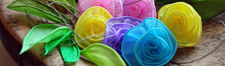 kolorowe kwiatki wykonane z bibuły