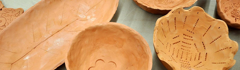 fragmenty ceramicznych misek