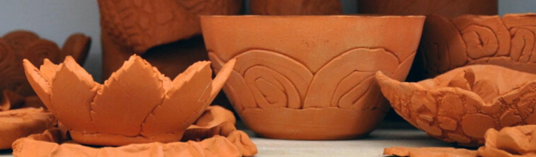 ceramiczne miski wykonane na warsztatach