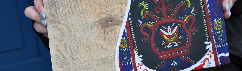 polichromia na drewnie