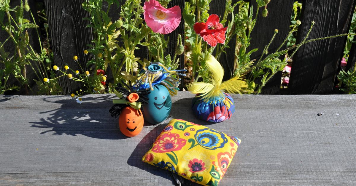 przykład kolorowych dawnych zabawek